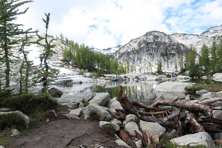 enchantments hiking lake viviane
